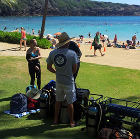 Hanauma Bay scuba instructor